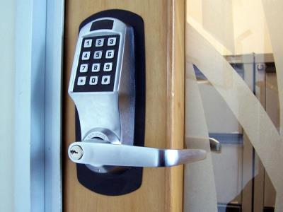 4 facts to know before Contacting a Locksmith